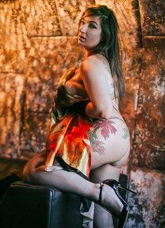 Vanessa Heartgrave - escort in London Photo 10 of 10