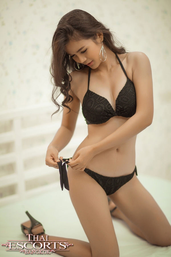 Erotic tantric bøsse massage escort ilona