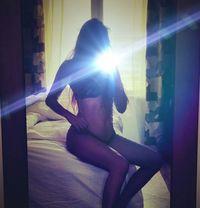 Venus (looking for a hot Sugar Daddy) - escort in Dubai