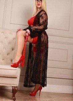 Veronica Du Bellay - escort in Cairo Photo 4 of 5