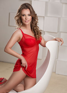 Veronika 100 € - escort in Saint Petersburg Photo 1 of 9