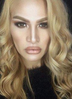Versashe - Transsexual escort in Manila Photo 6 of 9