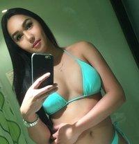 Versatile Kimberly - Transsexual escort in Singapore Photo 1 of 10