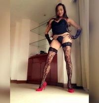 "VersaTopLadyBoy 7"" GFE POPPERS - Transsexual escort in Abu Dhabi"