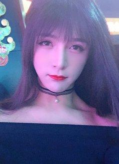 Vi Vi - Transsexual escort in Shanghai Photo 1 of 8
