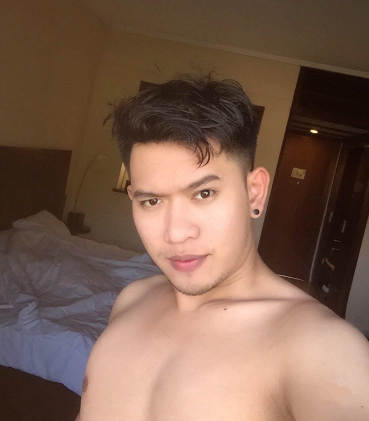 Kelvingreen, indonesian male escort in jakarta