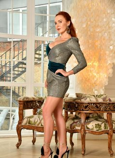 Vicky - escort in Milan Photo 13 of 17