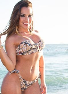 latina escort locanto Victoria