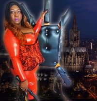 Vienna Bbw Black Mistress Mme Darkness - dominatrix in Vienna