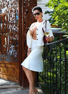 Violetta - escort in Moscow Photo 11 of 19