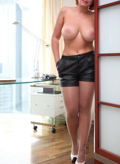 Vip Escort Dipl. Ing. Sofia - escort in Frankfurt Photo 24 of 29