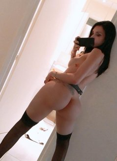 ViP Nayara - Transsexual escort in Dubai Photo 11 of 12