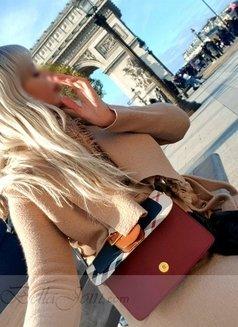 Virtual GF Bella - escort in Paris Photo 21 of 23