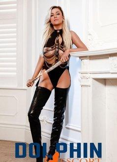 Vivian - escort in London Photo 6 of 8