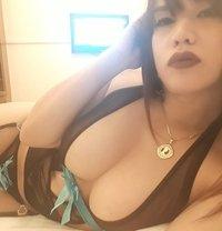 Vivian - Transsexual escort in Singapore