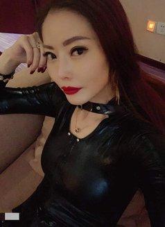 Wendy - dominatrix in Shanghai Photo 4 of 8