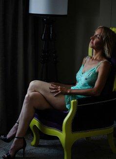 Emerald Green Healing Massage - escort in Panama City Photo 3 of 9