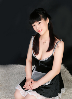 Xiaohe - escort in İstanbul Photo 4 of 9