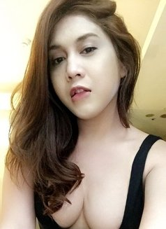 Creamy XinAshlee available for camshow - Transsexual escort in Manila Photo 5 of 21