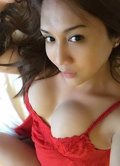 Creamy XinAshlee available for camshow - Transsexual escort in Manila Photo 7 of 21