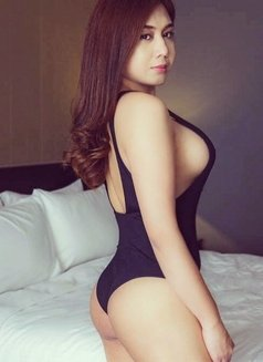 Creamy XinAshlee available for camshow - Transsexual escort in Manila Photo 8 of 21