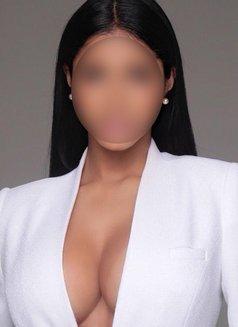 Yasmin - escort in Dubai Photo 1 of 5
