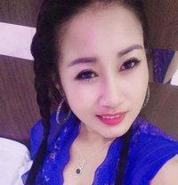 Yiyi - escort in Dammam Photo 1 of 6