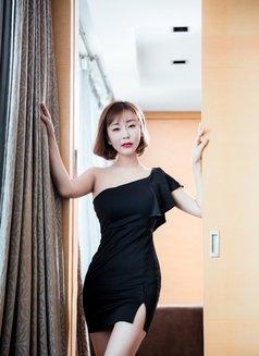 Yiyi - escort in Shanghai Photo 1 of 7