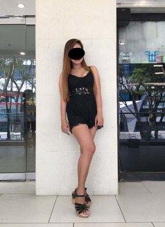 Ylona - escort in Singapore Photo 1 of 1