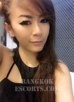 Yochi - escort in Bangkok Photo 6 of 9