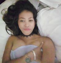 Yola Babe - masseuse in Bali
