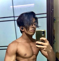 REAL MEET and CAMSHOW - Male escort in Mumbai Photo 1 of 7