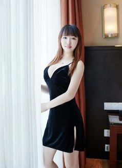 Chinese girl Youyou - escort in İstanbul Photo 4 of 6
