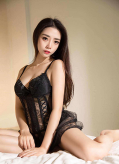 Yuki Japanese Girl - escort in Hong Kong Photo 1 of 6