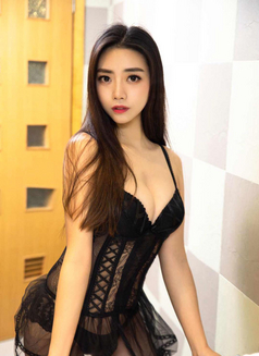 Yuki Japanese Girl - escort in Hong Kong Photo 2 of 6