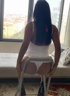 Yulia - escort in İstanbul Photo 8 of 14