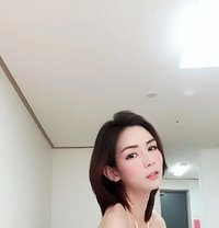 Yuri - Transsexual escort in Dubai