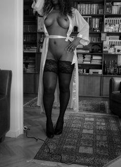 Zainabaishanajma - escort in Paris Photo 2 of 12