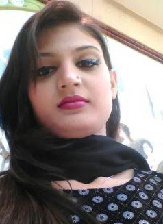 Zara (Owc)(cim)indian Escort in Dubai - escort in Dubai Photo 1 of 3