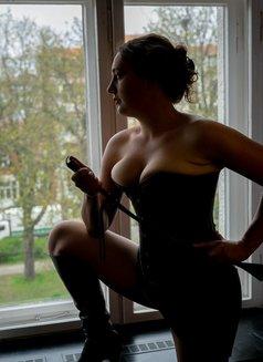 Zoe Sabot - escort in Berlin Photo 4 of 6