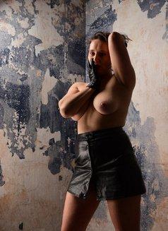 Zoe Sabot - escort in Berlin Photo 5 of 6