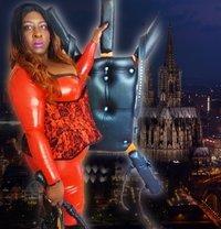 Zurich Bbw Black Mistress Mme Darkness - dominatrix in Zürich